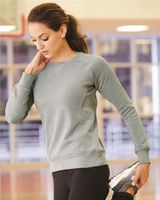 Russell Athletic Women's Lightweight Crewneck Sweatshirt LF3YHX