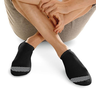 Hanes Women\'s Cool Comfort No Show Socks 6-Pack 650V6